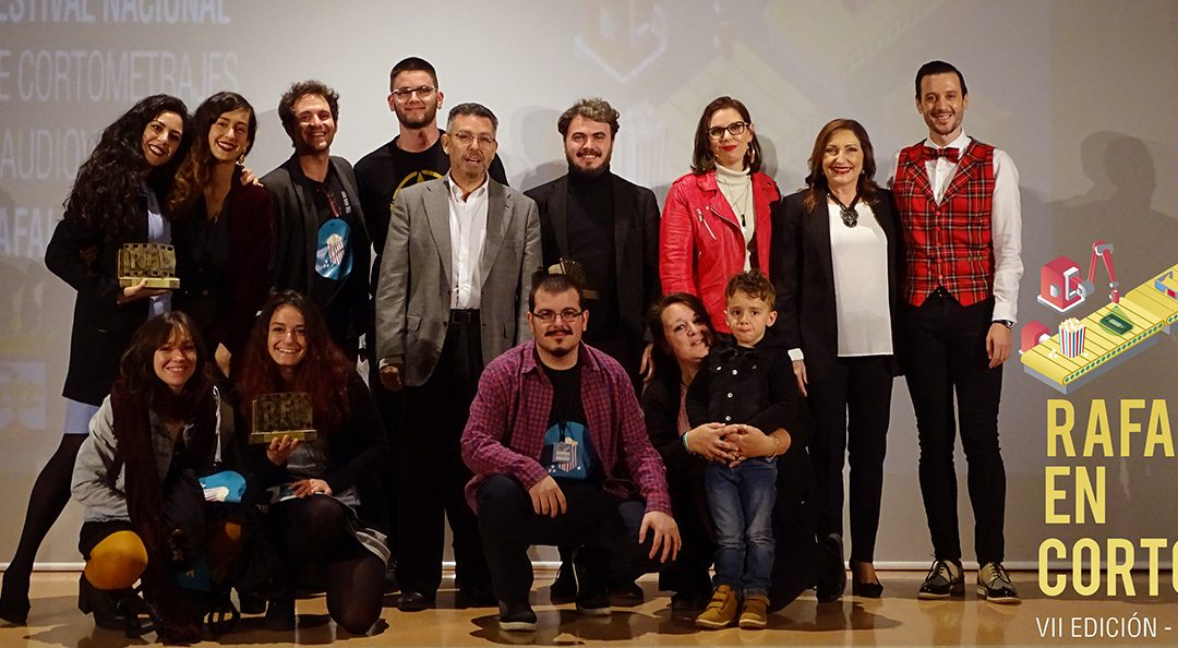 """Macaroni with Tomato"", by Javier Alba, stands with the award for Best National Short Film by Rafal in Corto"