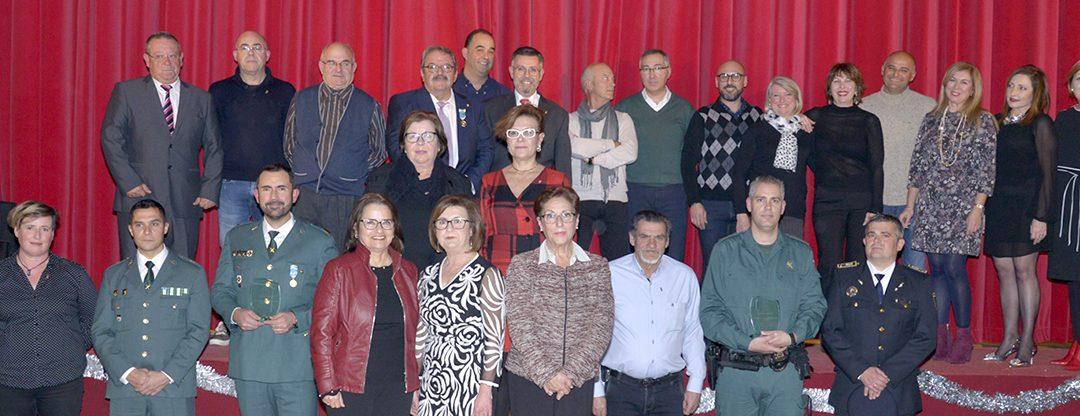 Rafal entrega los distintivos del municipio a personalidades y reconoce la gran labor y trabajo de sus empleados públicos
