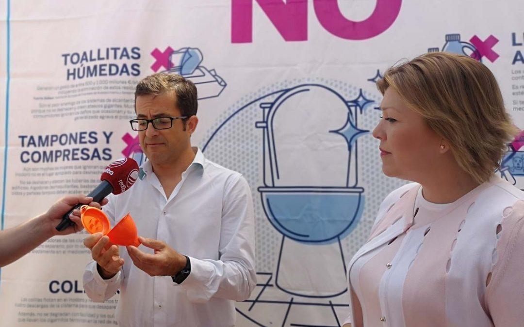 Rafal promueve el reciclado de aceite con el reparto de 1.500 embudos entre los vecinos del municipio