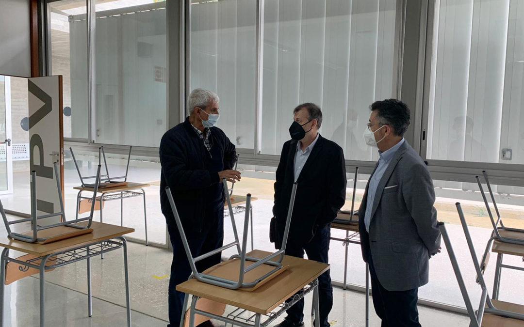 El IES Rafal recibe la visita del Director General de FP para valorar la posibilidad de instaurar un ciclo formativo